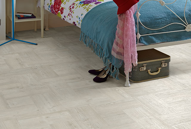 White%20oak%20alternating%20lvt